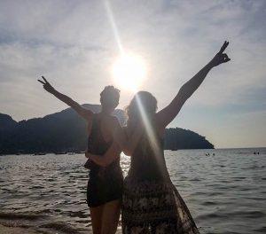 Laura (Nomadicare) and Julia (The Traveling Traveler)
