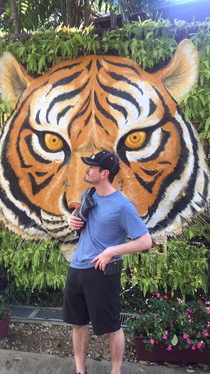 man with a tiger picture