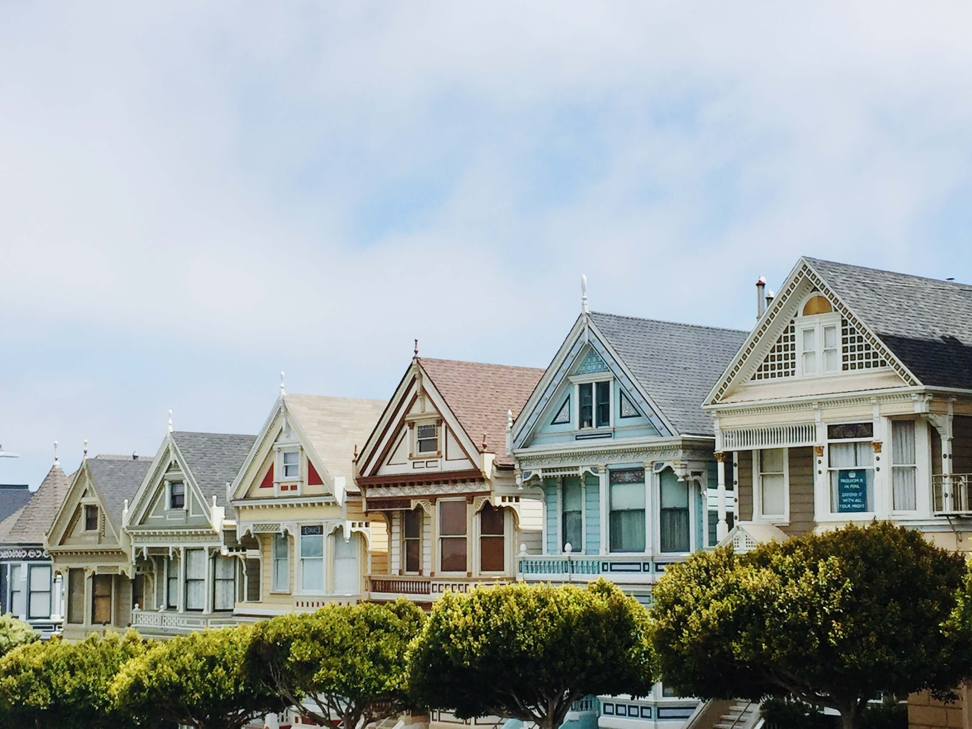 picture of houses on a block