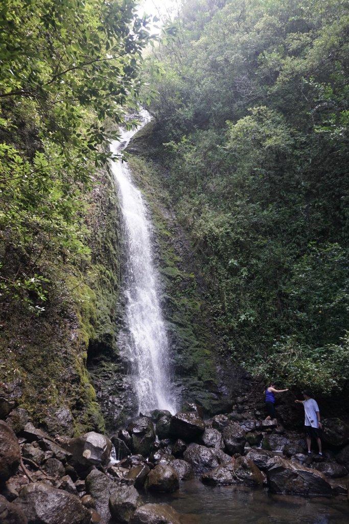 picture of lulumahu falls waterfall